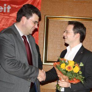 Tobias Eckert gratuliert dem Landtagskandidaten